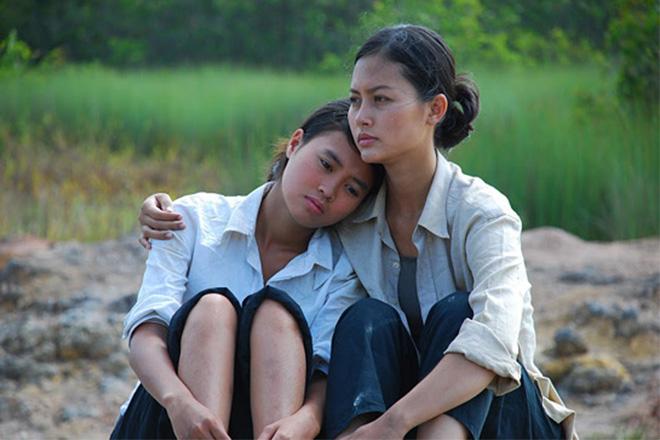 Nhìn lại vai diễn khởi nghiệp 5 mỹ nhân màn ảnh Việt: Thanh Hằng tắm trắng thành công, Chi Pu xinh xuất sắc từ đầu - Ảnh 9.