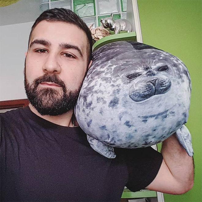 Chiếc gối ôm thương hiệu hải cẩu béo ú này đang làm mưa làm gió trên Internet vì độ mập mạp và dễ cưng của mình - ảnh 5