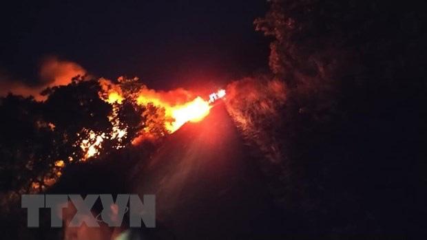 Gia Lai: Xe bồn chở 12.000 lít xăng đột ngột bốc cháy giữa đường - ảnh 1