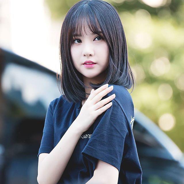 8 nàng búp bê sống của Kpop: Lisa đẹp siêu thực, mỹ nhân đẹp nhất thế giới năm 2019 Tzuyu có đọ lại nổi dàn nữ thần đàn chị? - Ảnh 24.