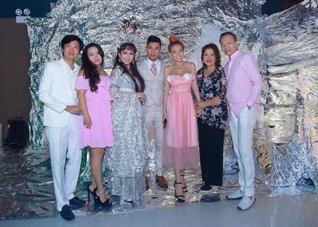 Lương Bằng Quang đăng ảnh cưới bên Ngân 98, netizen ồ ạt chúc mừng nhưng vẫn bán tín bán nghi - ảnh 3