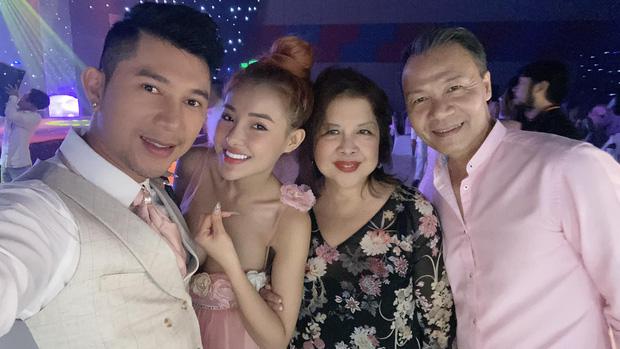 Lương Bằng Quang đăng ảnh cưới bên Ngân 98, netizen ồ ạt chúc mừng nhưng vẫn bán tín bán nghi - ảnh 5