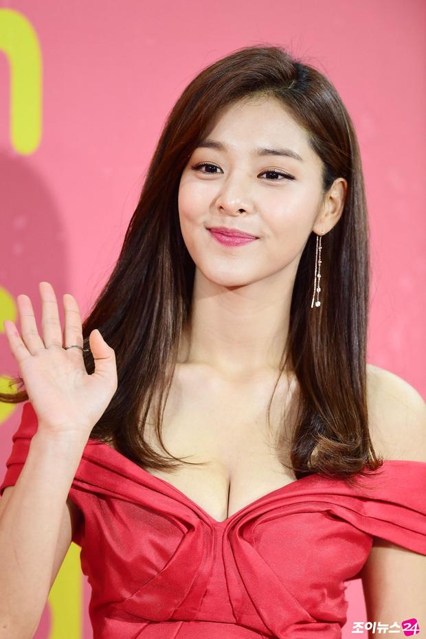 Park Bo Gum, Min Hyo Rin hay bạn gái Lee Kwang Soo... đều suýt debut làm ca sĩ, may mà chuyển ngạch diễn viên kẻo visual thời nay ra chuồng gà hết? - Ảnh 10.