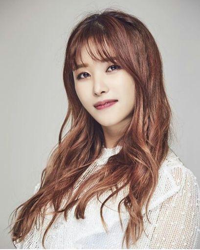 """Top 3 ca sĩ thần tượng đỉnh nhất trong mắt """"tiểu Taeyeon"""": Chọn ngay """"phiên bản gốc"""" của chính mình, đánh giá cao 2 ca sĩ tài năng nhưng lận đận - Ảnh 5."""