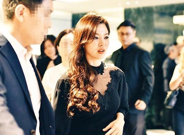 Chỉ mong Song Hye Kyo mãi nhẹ nhàng xinh đẹp tựa nữ thần, đừng 5 lần 7 lượt cố quá đến mức dọa fan thế này - Ảnh 6.