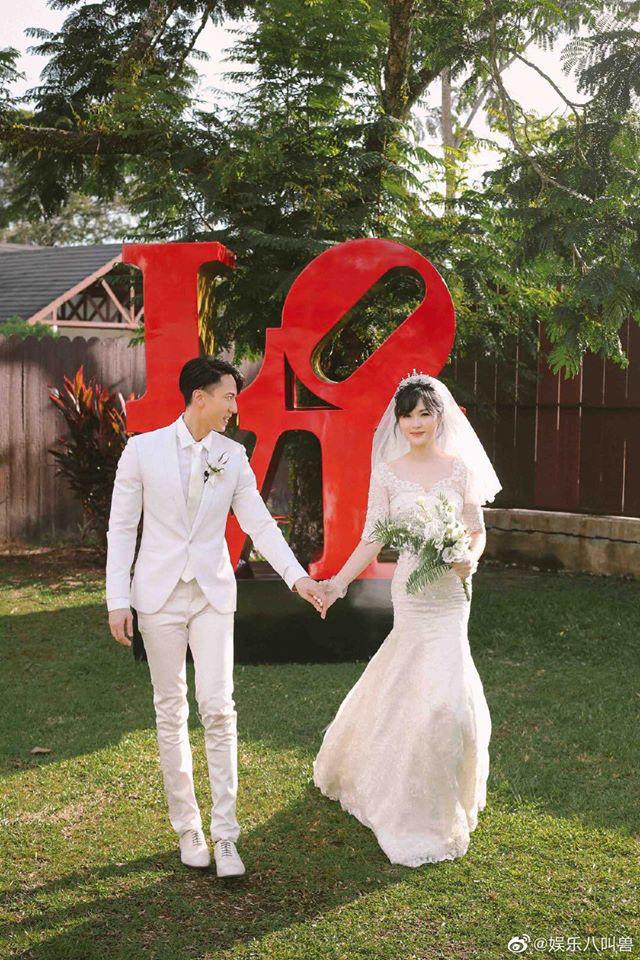 Cuối cùng sau 16 năm vợ chồng Ngô Tôn đã có bộ ảnh cưới trọn vẹn, nhan sắc cô dâu gây bão vì quá xuất sắc