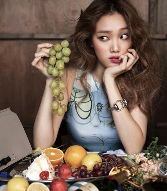 Ăn trái cây rất tốt nhưng con gái trong kỳ kinh nguyệt đừng nên chạm vào 4 loại có thể đẩy nhanh thời kỳ mãn kinh - Ảnh 1.
