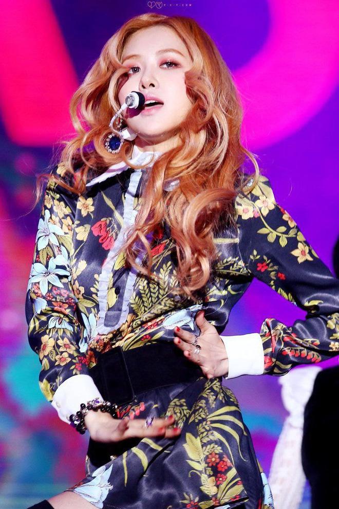 Knet bỗng nhớ về Rosé thời tóc vàng huyền thoại tại Coachella, còn khen cô nàng đẹp như đồ họa sau màn comeback đại thắng của BLACKPINK - Ảnh 1.