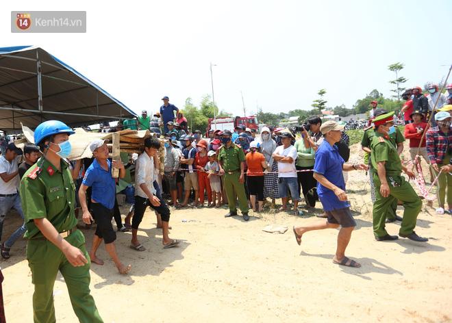 Lời kể đầy ám ảnh của các nạn nhân sống sót trong vụ lật ghe khiến 3 người chết và 2 người mất tích ở Quảng Nam - Ảnh 2.