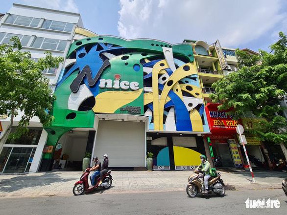 Nhiều quán karaoke xin được hoạt động trở lại sau 3 tháng đóng cửa, kiệt sức vì chi phí duy trì quá lớn - Ảnh 1.
