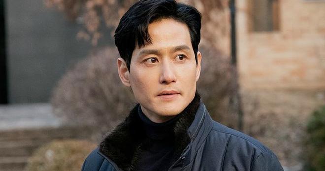 Dân Hàn điên cuồng tìm kiếm phim 19  Thế Giới Hôn Nhân, bà cả Kim Hee Ae giật sạch spotlight của Lee Min Ho trong tháng 5 - Ảnh 3.