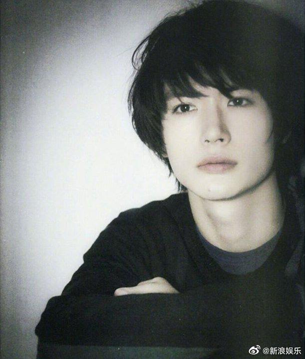 Rơi nước mắt trước tâm thư của mỹ nam Haruma Miura trước khi tự tử: 30 tuổi liệu bạn có hạnh phúc mỗi ngày? - Ảnh 2.