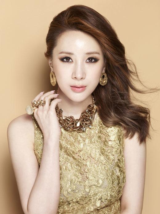 9 idol Kpop dám thừa nhận chỉnh mũi: Người kể sụn tai đi du lịch trên mũi, kẻ bất đắc dĩ vì bị nhà tiên tri bóc mẽ - Ảnh 11.