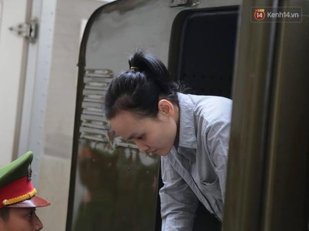 Tuyên án vụ thi thể đổ bê tông ở Bình Dương: Tử hình nữ chủ mưu, 3 bị cáo khác nhận tổng cộng 54 năm tù - Ảnh 2.