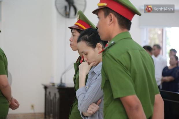 Tuyên án vụ thi thể đổ bê tông ở Bình Dương: Tử hình nữ chủ mưu, 3 bị cáo khác nhận tổng cộng 54 năm tù - Ảnh 11.