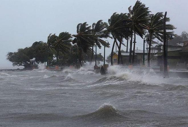 Áp thấp nhiệt đới đã mạnh lên thành bão số 2, vùng biển từ Thái Bình đến Nghệ An cảnh báo gió rất mạnh từ ngày mai - Ảnh 1.