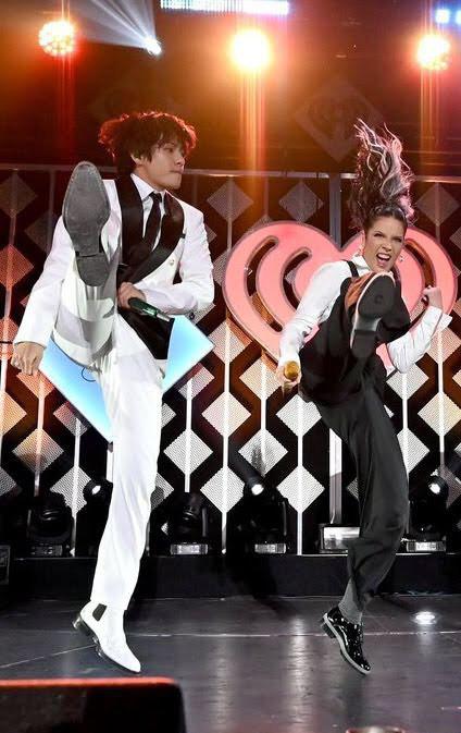 Jin (BTS) vẫn thần thái bất chấp vũ đạo cực bốc trong khi Jungkook, Jimin, V mặt méo xệch, tài năng ẩn dật của trai đẹp toàn cầu đấy! - Ảnh 4.