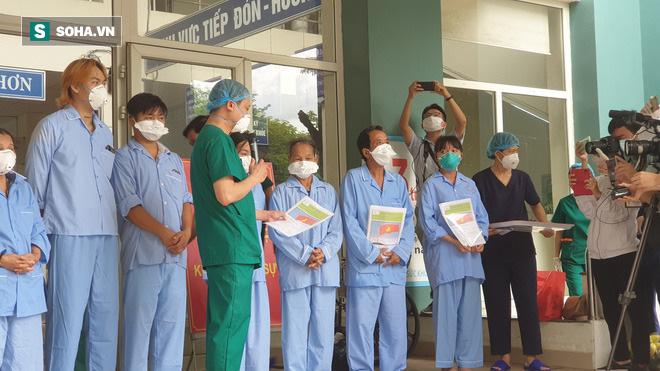Dịch Covid-19 ngày 13/8: Thêm 3 ca mắc mới; Bệnh nhân 812 là nhân viên giao Pizza tại Hà Nội tiên lượng nặng - Ảnh 1.