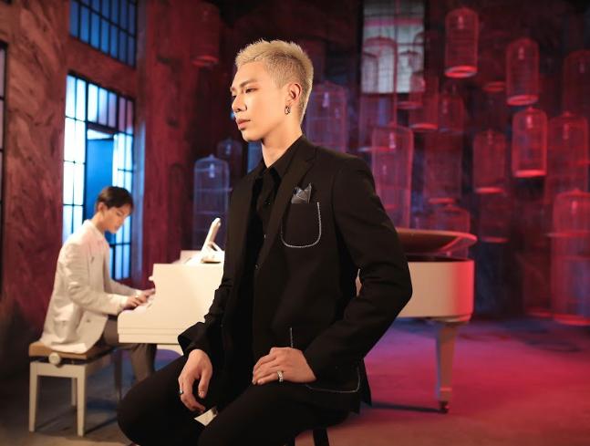 Erik đàn áp Alex Dương ngay trong MV của đàn em, K-ICM rủ toàn bộ gà nhà góp giọng trong ca khúc tuyên truyền chống Covid-19 - Ảnh 5.