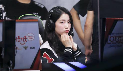 Chuyện ít ai biết, nhiều nữ idol Hàn Quốc là những con nghiện game thứ thiệt - Ảnh 18.