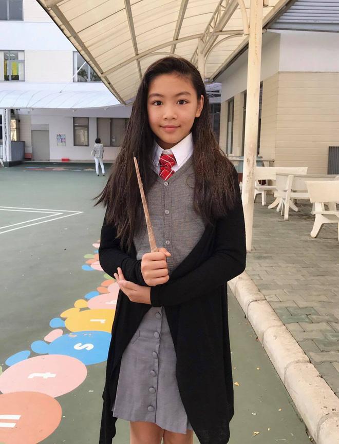 Lọ Lem nhà MC Quyền Linh thực sự có gen mỹ nhân, so ảnh đi học - đi chơi mà thấy làm gì cũng đẹp quá! - Ảnh 6.