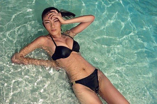 hoa-hau-bikini-trung-quoc-bi-dap-toi-boi