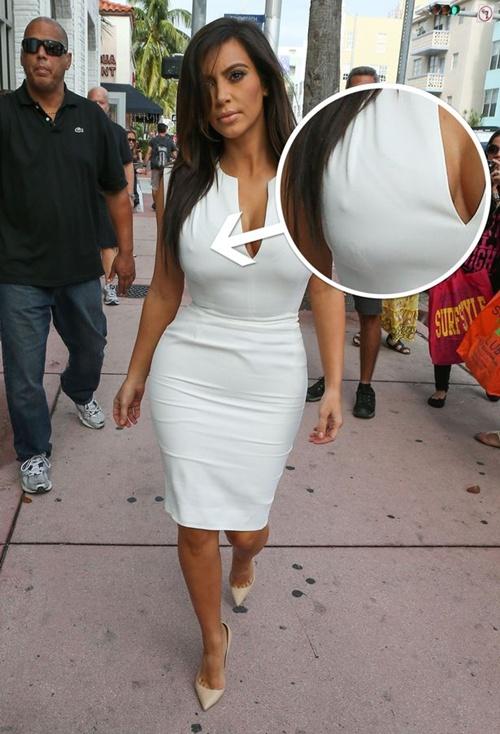 """Kim Kardashian lộ """"nhũ hoa"""" 1"""