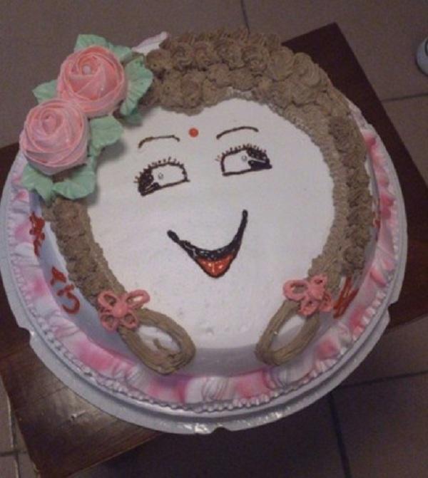 Những chiếc bánh sinh nhật... xấu kinh hoàng 10