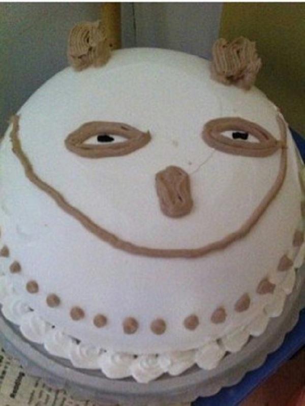 Những chiếc bánh sinh nhật... xấu kinh hoàng 2