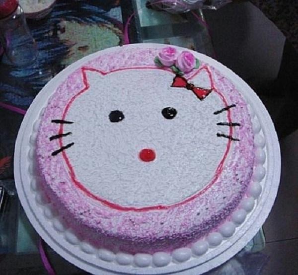 Những chiếc bánh sinh nhật... xấu kinh hoàng 19