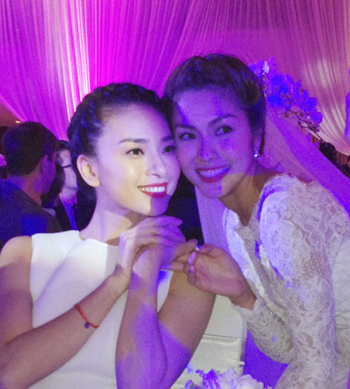 Tăng Thanh Hà mặc váy cưới trăm triệu 1