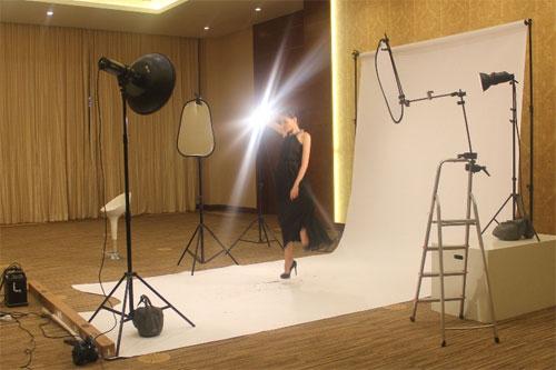 Thùy Trang tự tin tại họp báo Asia's Next Top Model 6