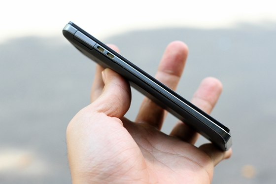 """Trên tay Sony Xperia V - smartphone chống nước """"đỉnh"""" 8"""