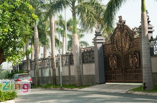 Cận cảnh biệt thự sang trọng của chồng Tăng Thanh Hà 17