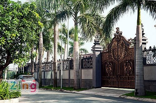 Cận cảnh biệt thự sang trọng của chồng Tăng Thanh Hà 18