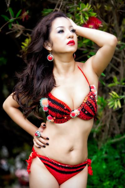Danh hài Thúy Nga diện bikini thi hoa hậu 3