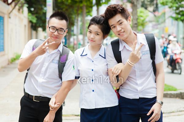 Kết quả hình ảnh cho Đồng Phục Trường THPT Lê Thị Hồng Gấm