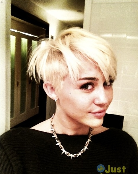 miley-gay-soc-khi-cat-toc-ngan-cut-lun