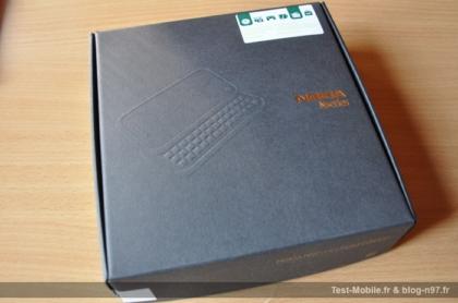 """""""Đập hộp"""" Nokia N97 Mini phiên bản vàng"""