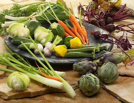 Bọn mình có thể giảm cân… chỉ bằng nước ép rau quả đấy!