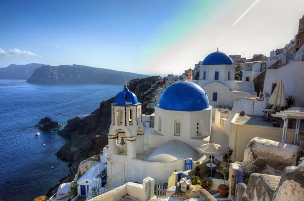 Chào mừng bạn đến với hòn đảo Santorini xinh đẹp!
