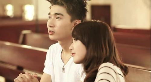 sot-clip-la-cua-ca-khuc-tham-hoa-vn-idol-2012