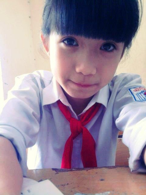 Nữ sinh Hà Nội gây sốt vì gương mặt xinh như búp bê 10