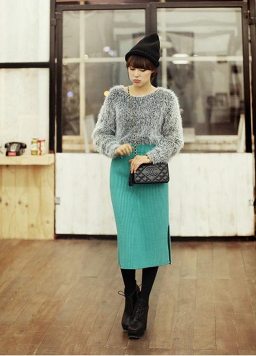 """Mix đồ phong cách với """"hot item"""": Áo len xù 12"""