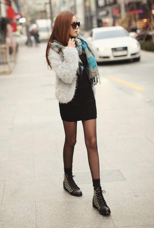 """Mix đồ phong cách với """"hot item"""": Áo len xù 19"""