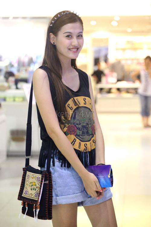 Điểm danh 5 hot girl mặc đẹp nhất năm 2012 16