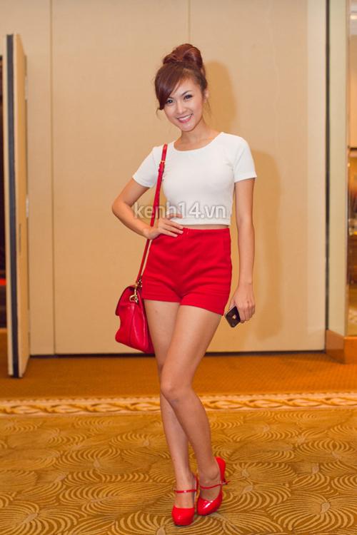 Điểm danh 5 hot girl mặc đẹp nhất năm 2012 54