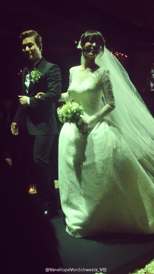 Idol Hàn xúng xính dự đám cưới như mơ của Sunye (WGs) 22