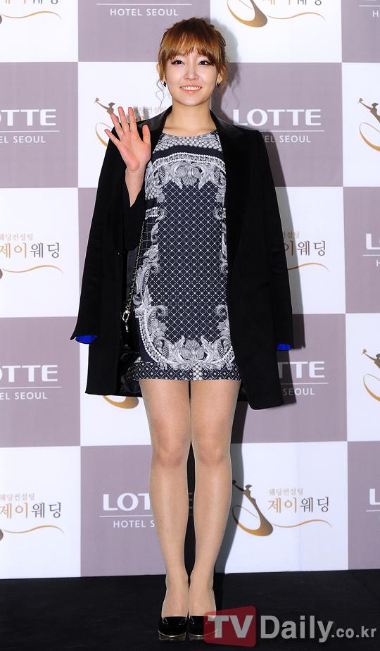 Idol Hàn xúng xính dự đám cưới như mơ của Sunye (WGs) 12