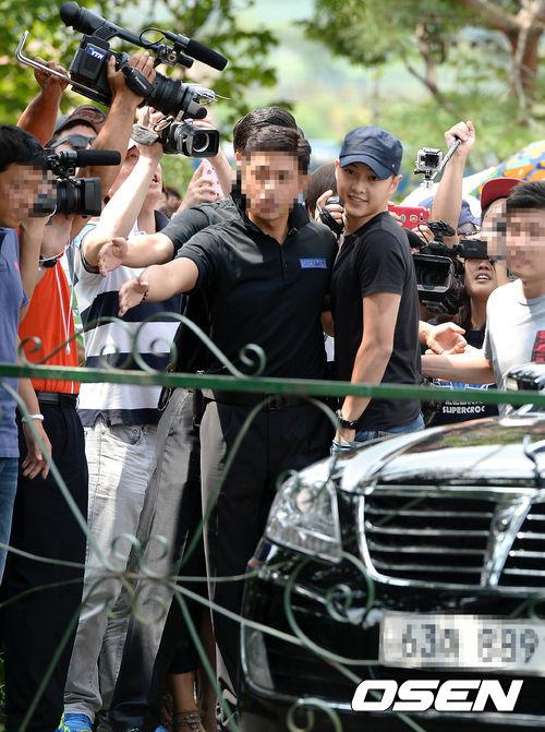 Song Joong Ki vẫn bảnh bao ngày nhập ngũ 4